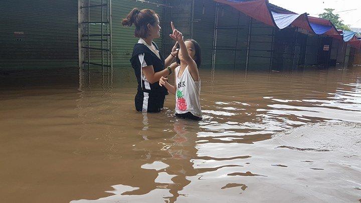 Nước ngập sâu