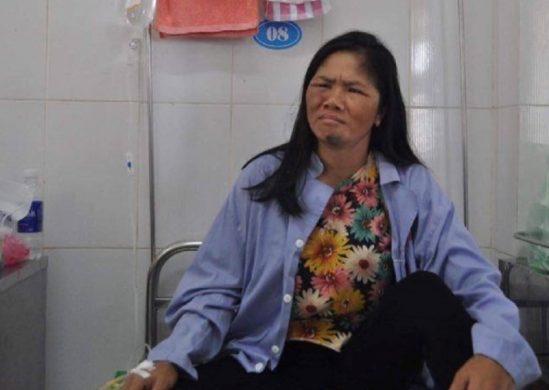Chị Bảy bật khóc khi kể lại sự việc bị hàng trăm người lao vào đánh oan