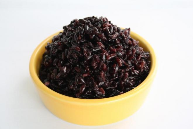 Ăn cơm ruwouj nếp cẩm vào ngày tết đoan ngọ