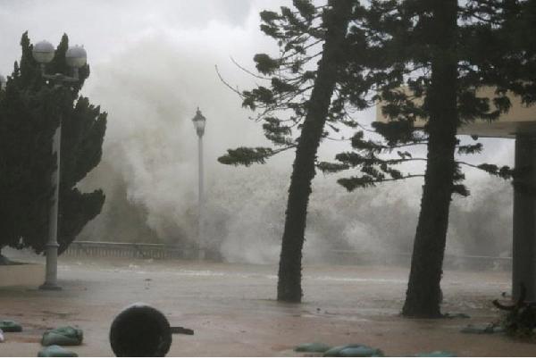 Siêu bão dự kiến đổ bộ mạnh vào phía nam Trung Quốc