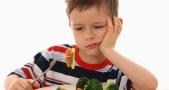 Chế độ dinh dưỡng thiếu hụt, nguyên nhân gây bệnh còi xương ở trẻ