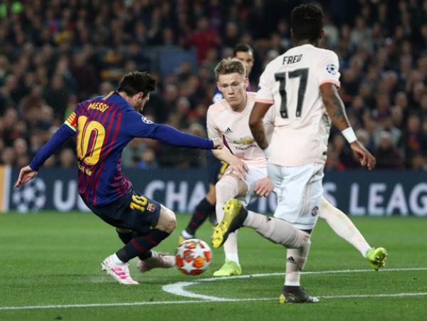 """Solskjaer: """"Messi và Barca có đẳng cấp cao hơn MU"""""""