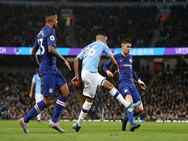 Man City đưa Chelsea trở lại mặt đất
