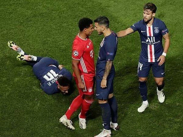 Tin bóng đá chiều 25/8: Gnabry được Gullit khen ngợi cú 'đốn giò' Neymar