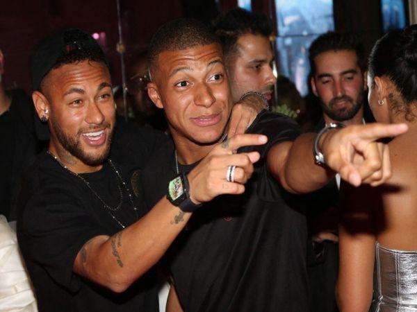 Buổi tiệc xa xỉ của cầu thủ PSG