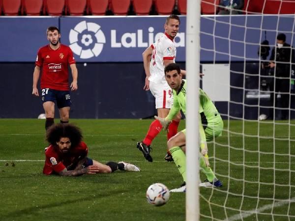 Bóng đá quốc tế sáng 23/2: Sevilla vượt mặt Barca, chiếm vị trí thứ 3